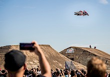 Freestyle-Historie beim großen Motocross Freeride-Spektakel in Dinslaken: Luc Ackermann holt Gold bei Red Bull Dirt Diggers